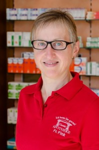 Frau Fink, Dipl.Pharmazie-Ingenieurin